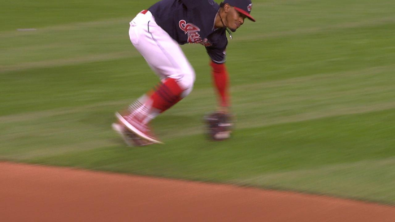 Lindor's tough play