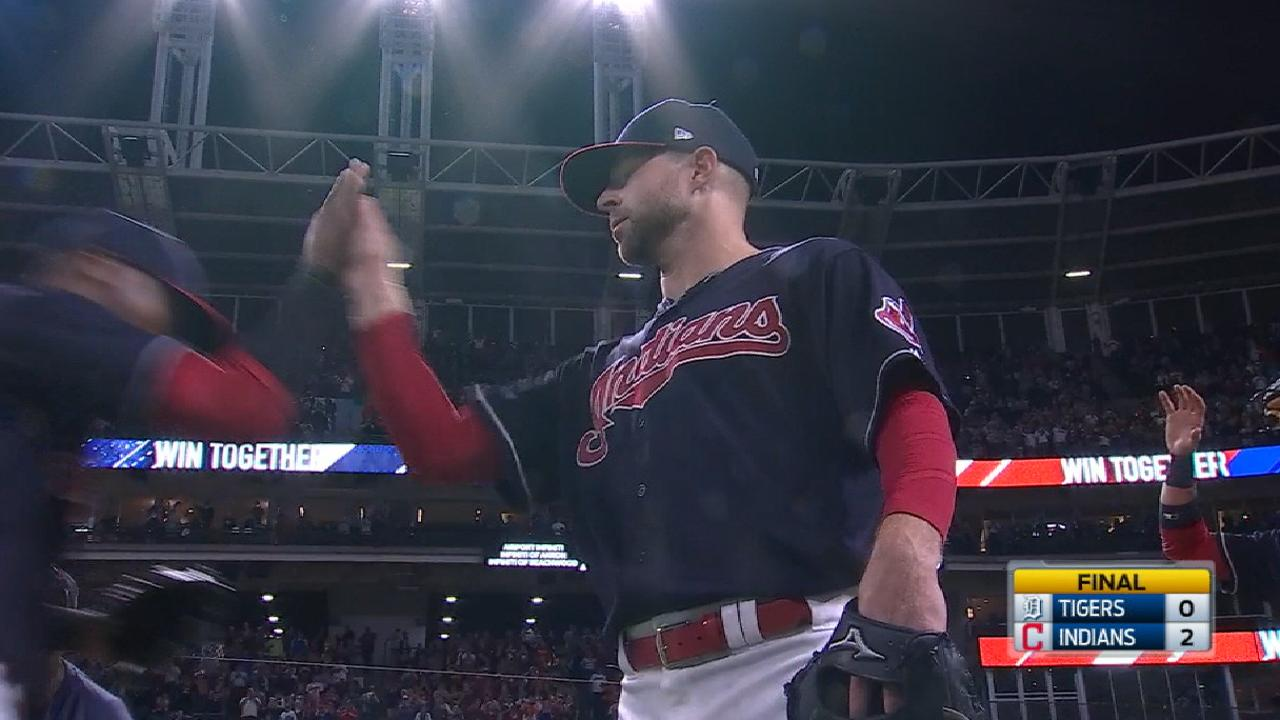 Outta sight is 20/20! Kluber, Tribe tie AL record