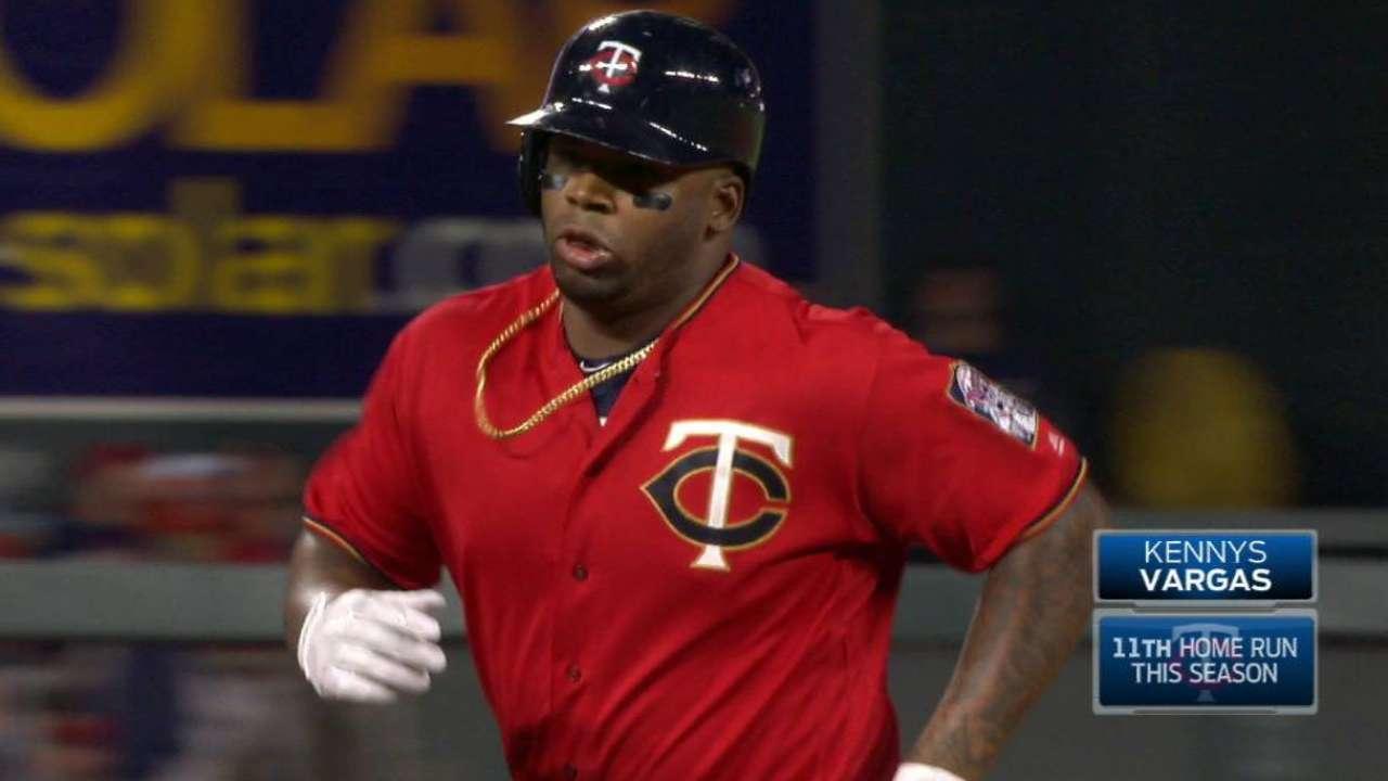 Vargas' three-run homer