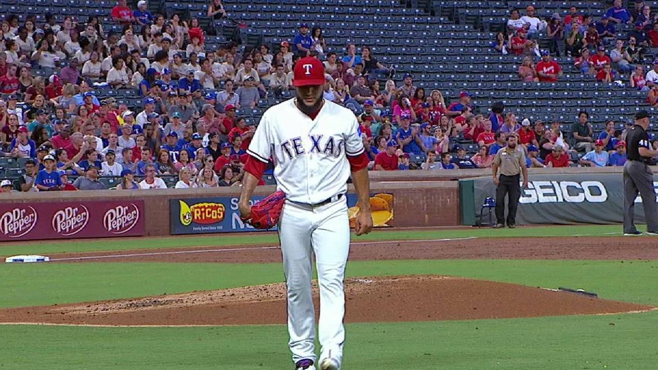 Rangers' offense limited by Mariners in loss