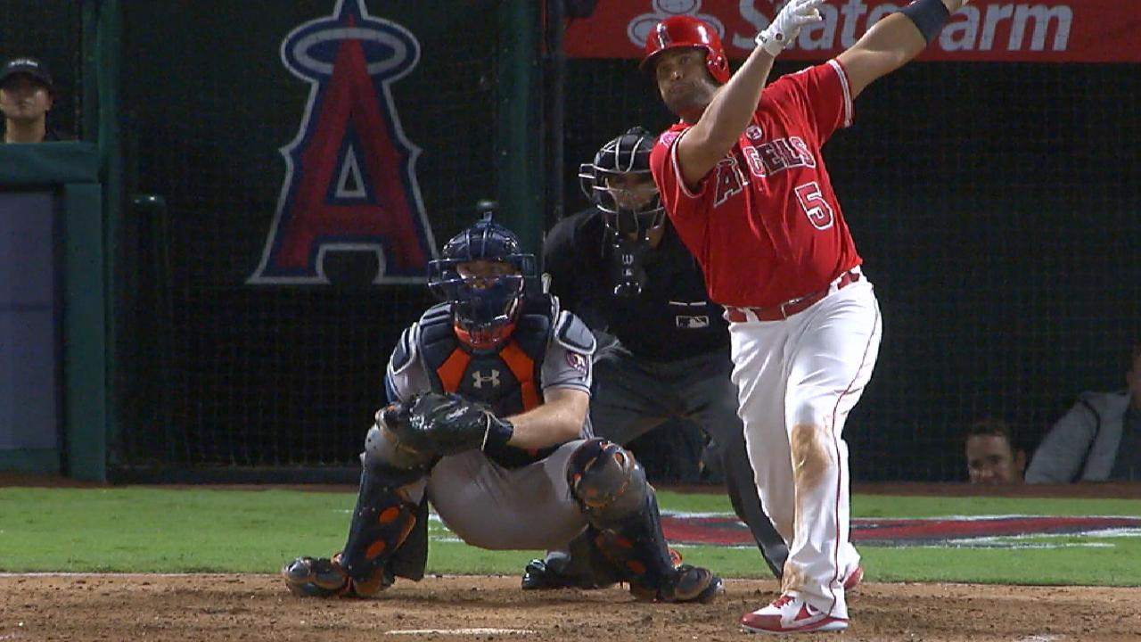 Pujols alone in seventh on all-time homer list