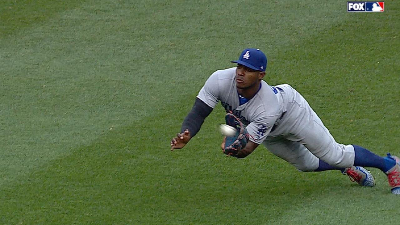 Puig's grab keeps Dodgers ahead