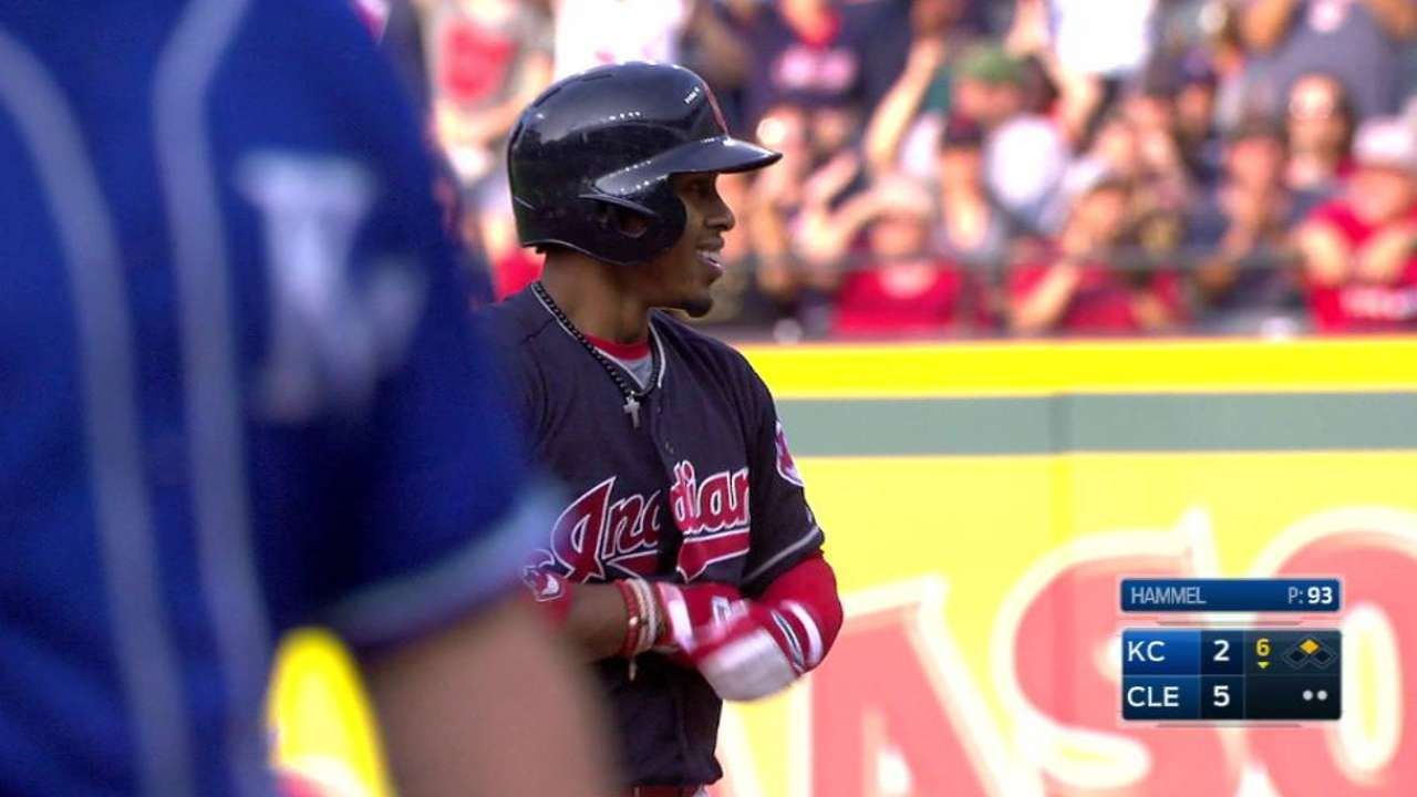 Lindor's extra-base hit streak sets club mark
