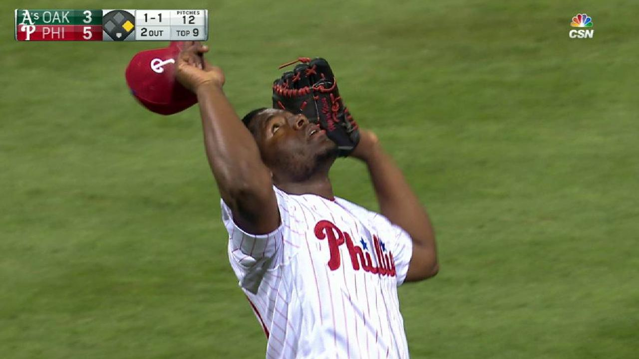Neris earns his 21st save