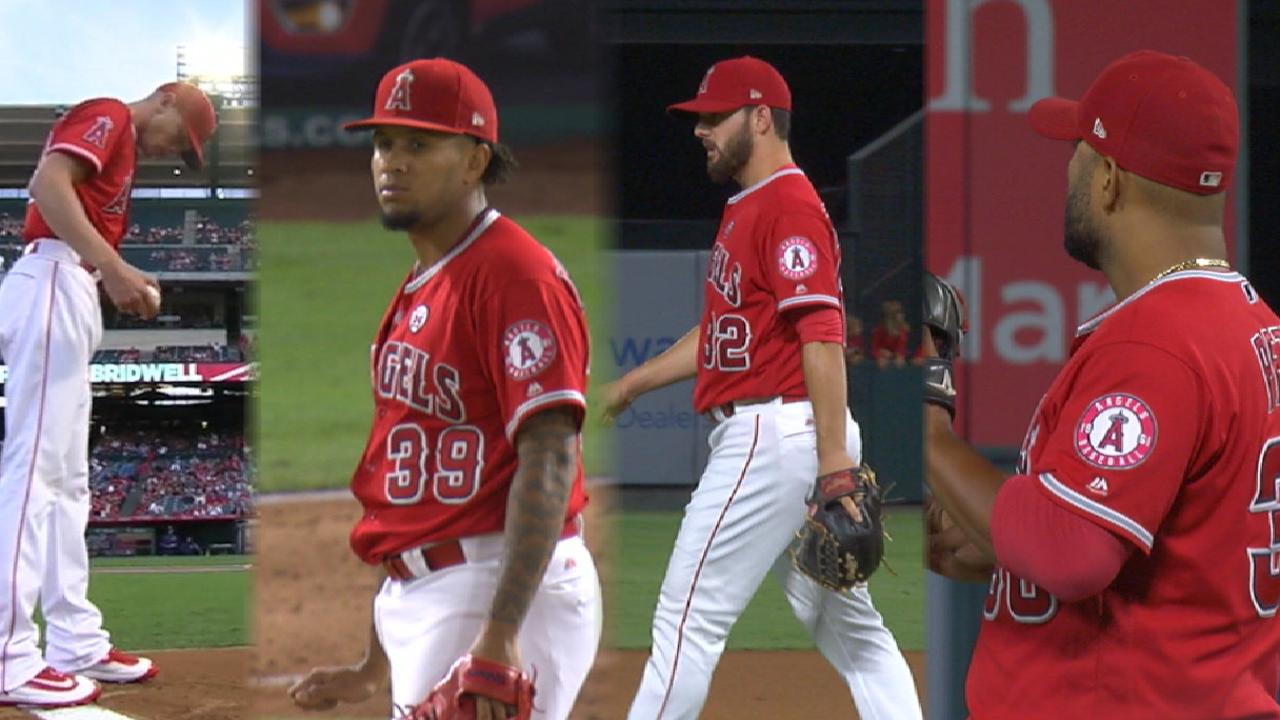 Upton, Bridwell boost Halos to 1 back in WC