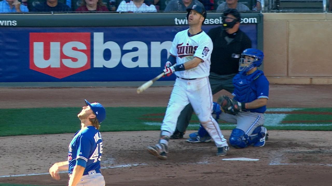 Mauer's slam highlights Twins' 6-run 5th inning