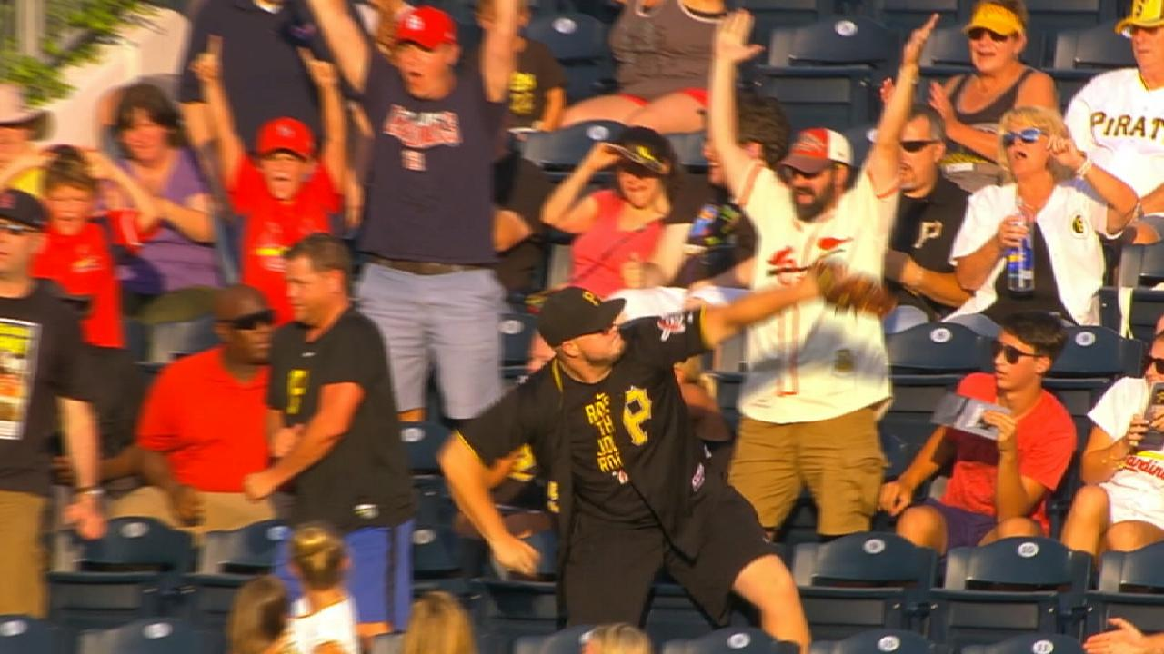 #AwardWorthy: Vote for Fan Catch, Best Call