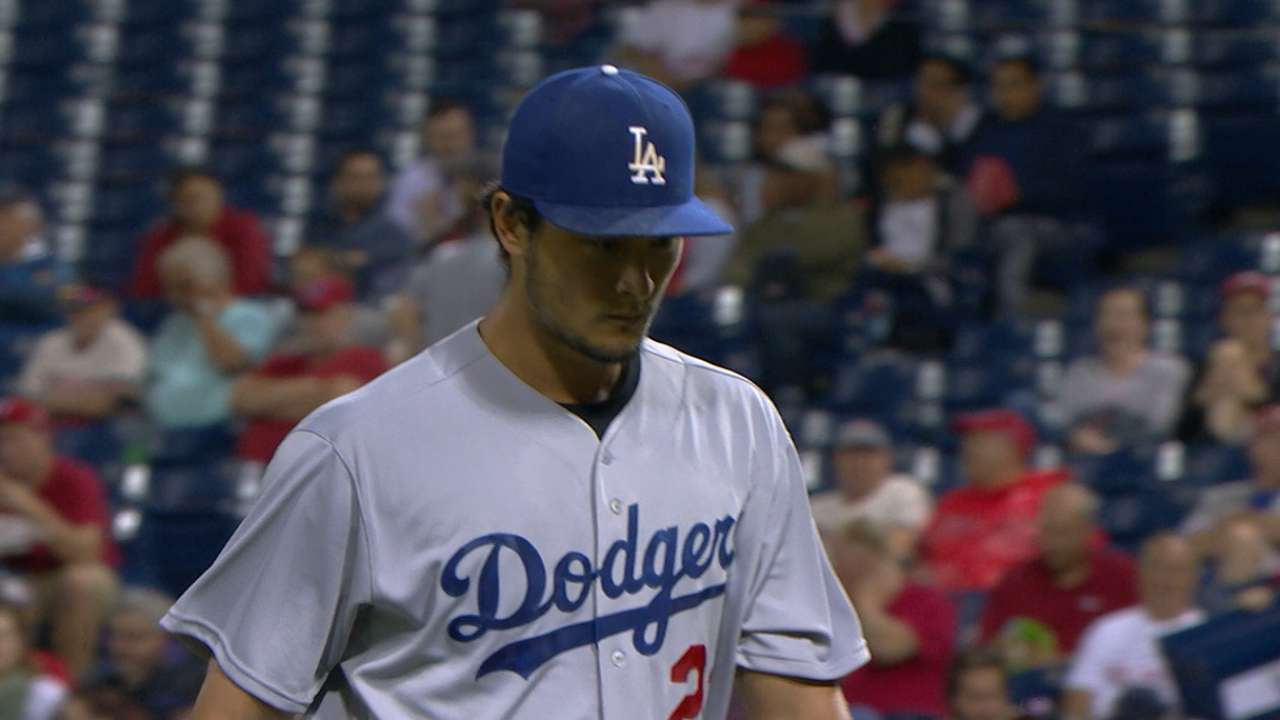 Dodgers fall to Phils, but magic number is 2