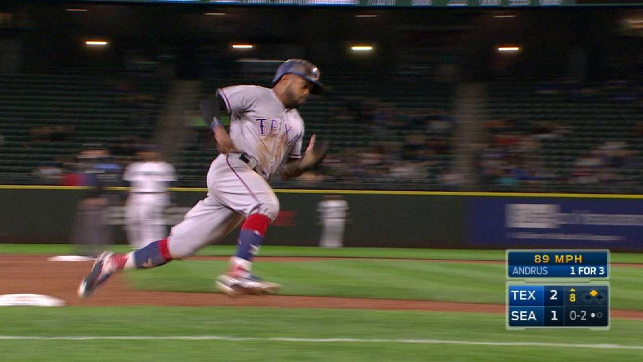Texas strikes late to sink Seattle, rise in WC