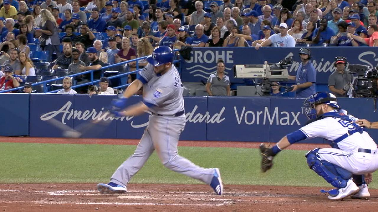 Moustakas sets Royals HR record