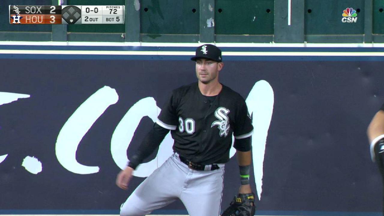 Yoan's blast not enough to slow Astros