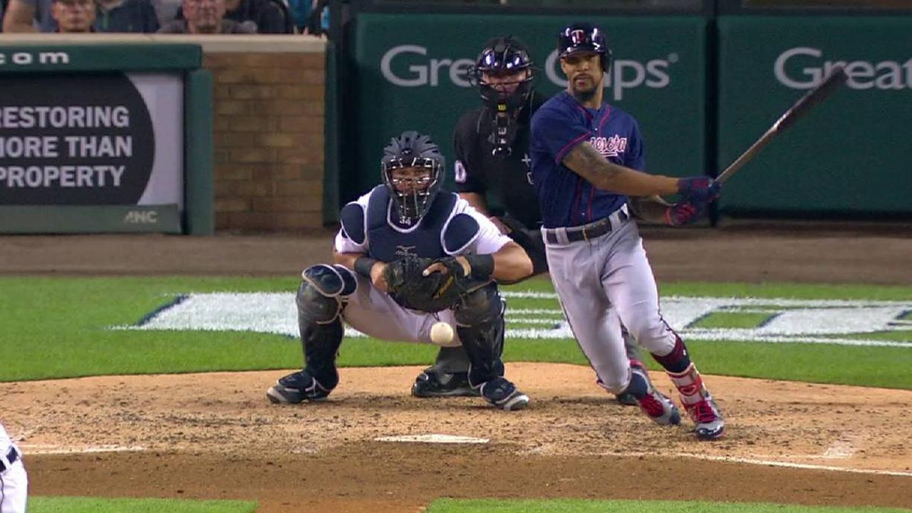 Twins rout Tigers, increase Wild Card lead