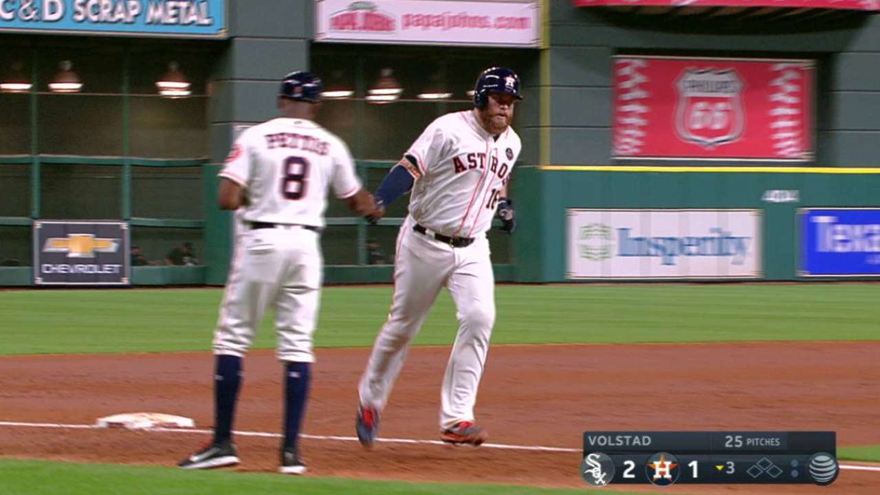 McCann sets record as 8th Astro with 15 HRs