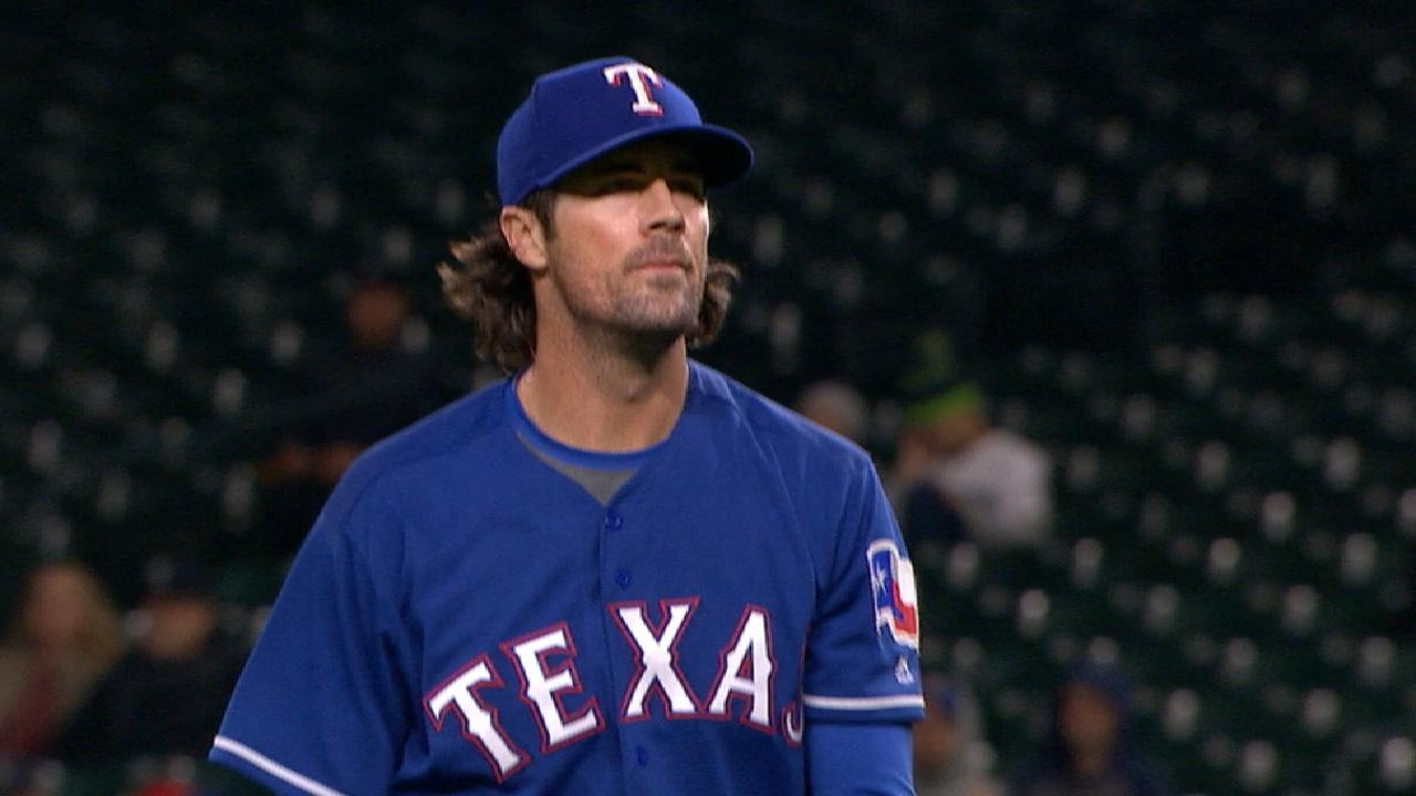Hamels works deep to give Rangers a lift