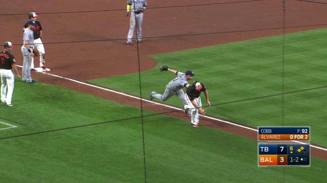 Cobb runs right at Davis