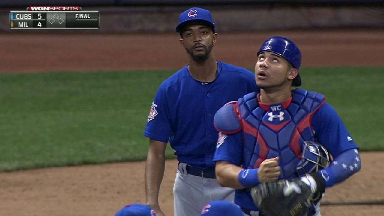 Edwards finishes strong night for Cubs' 'pen