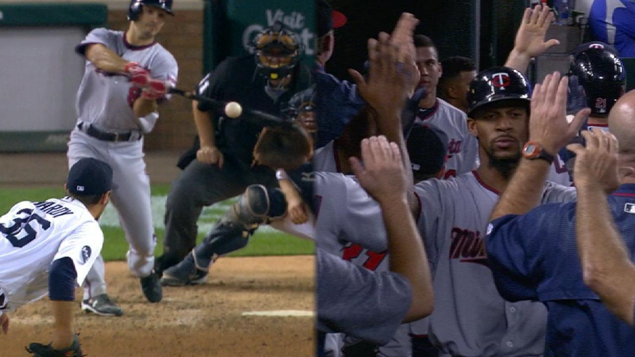 Twins' eight-run 8th inning