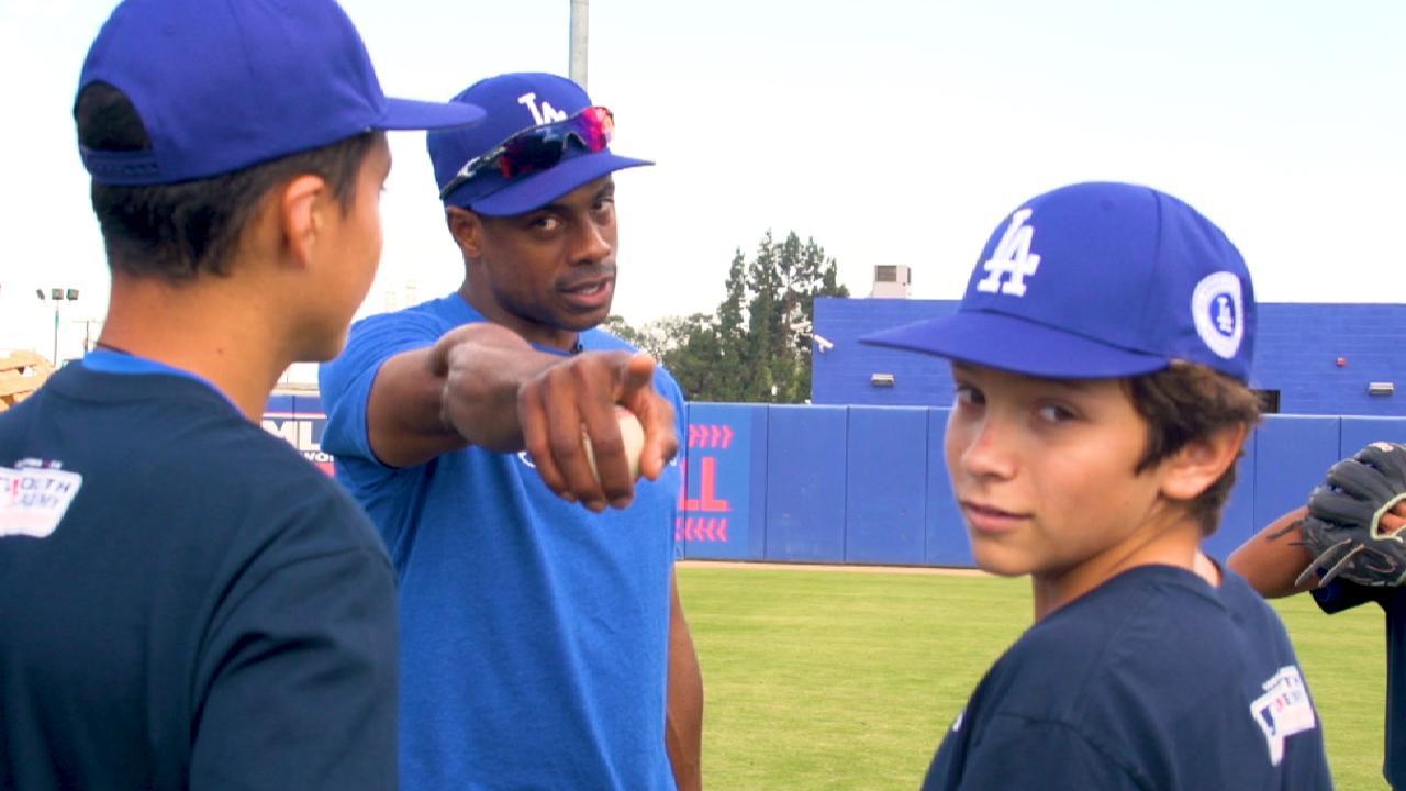 Granderson returns to Urban Youth Academy