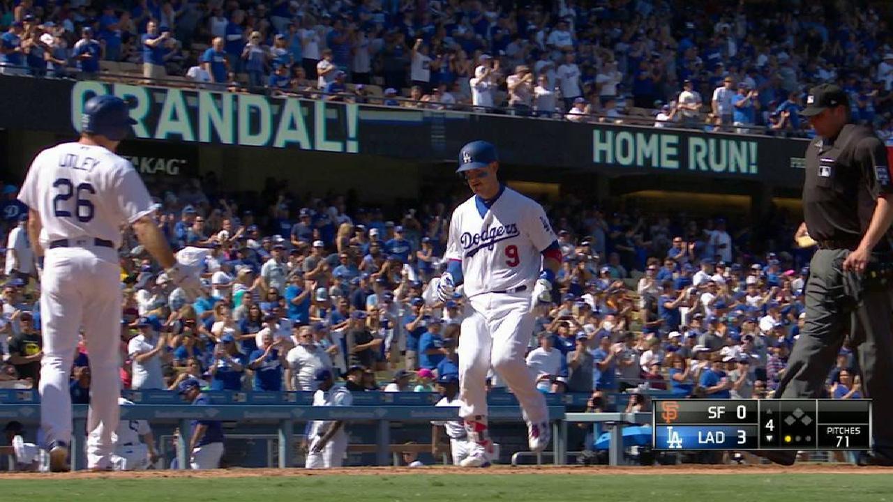 Dodgers ganan el 99no detrás de Yasmani Grandal
