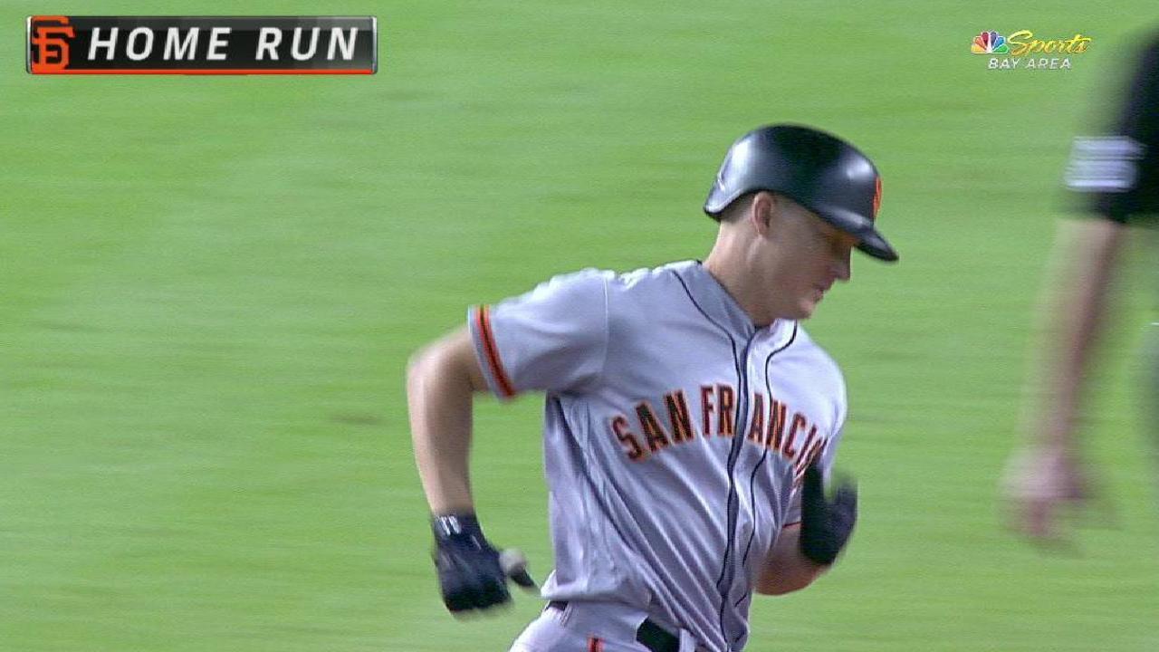 Hundley's three-run homer