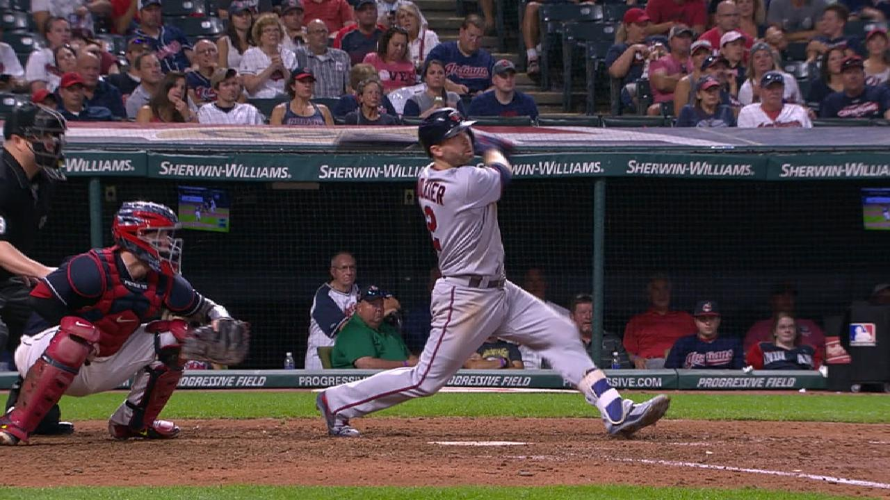 Dozier gives Twins lead on homer