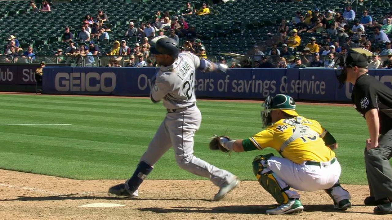 Cano's game-tying two-run homer