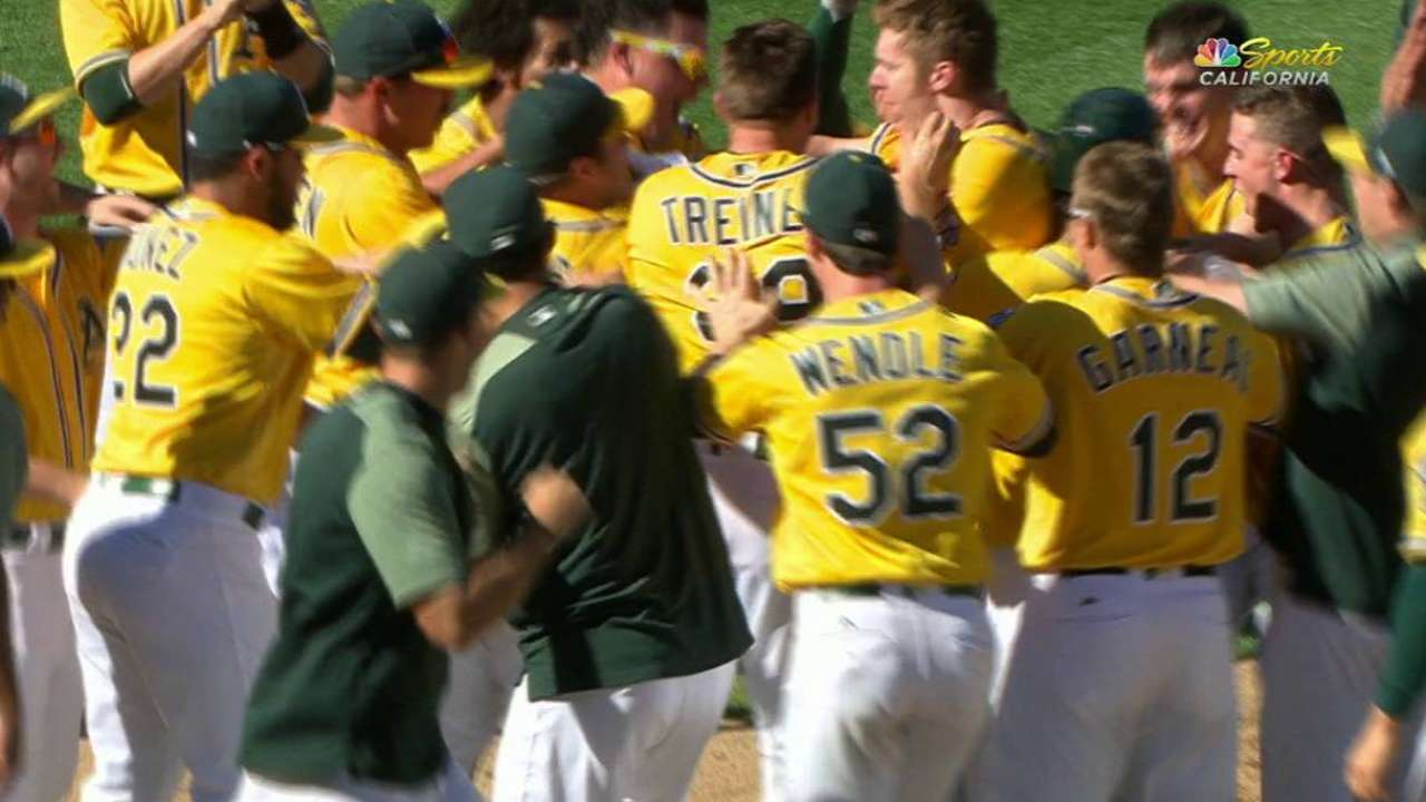Yes he Canha! HR walks A's off in home finale