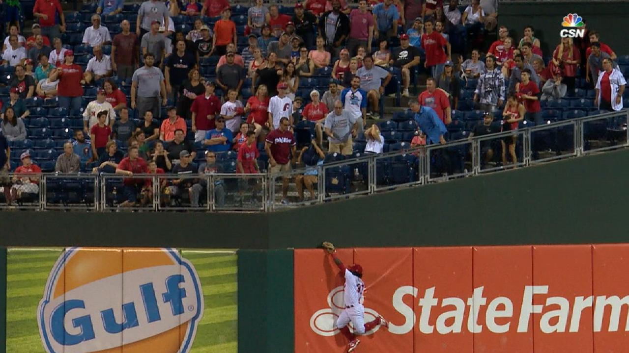 Herrera's stellar leaping grab