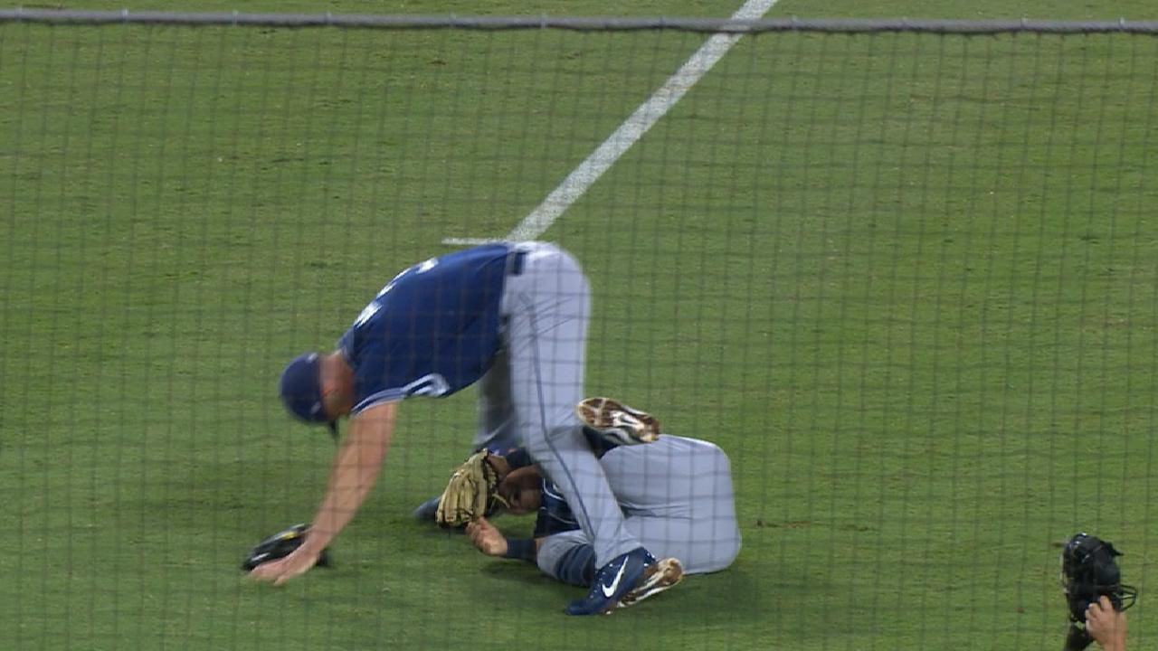 Richard stung by Dodgers in final '17 start
