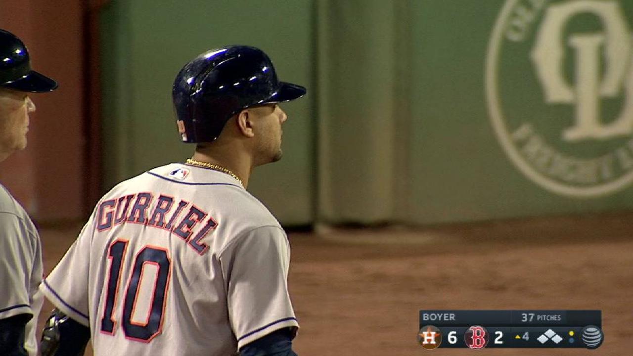 Astros se imponen por paliza e impiden que Boston se corone