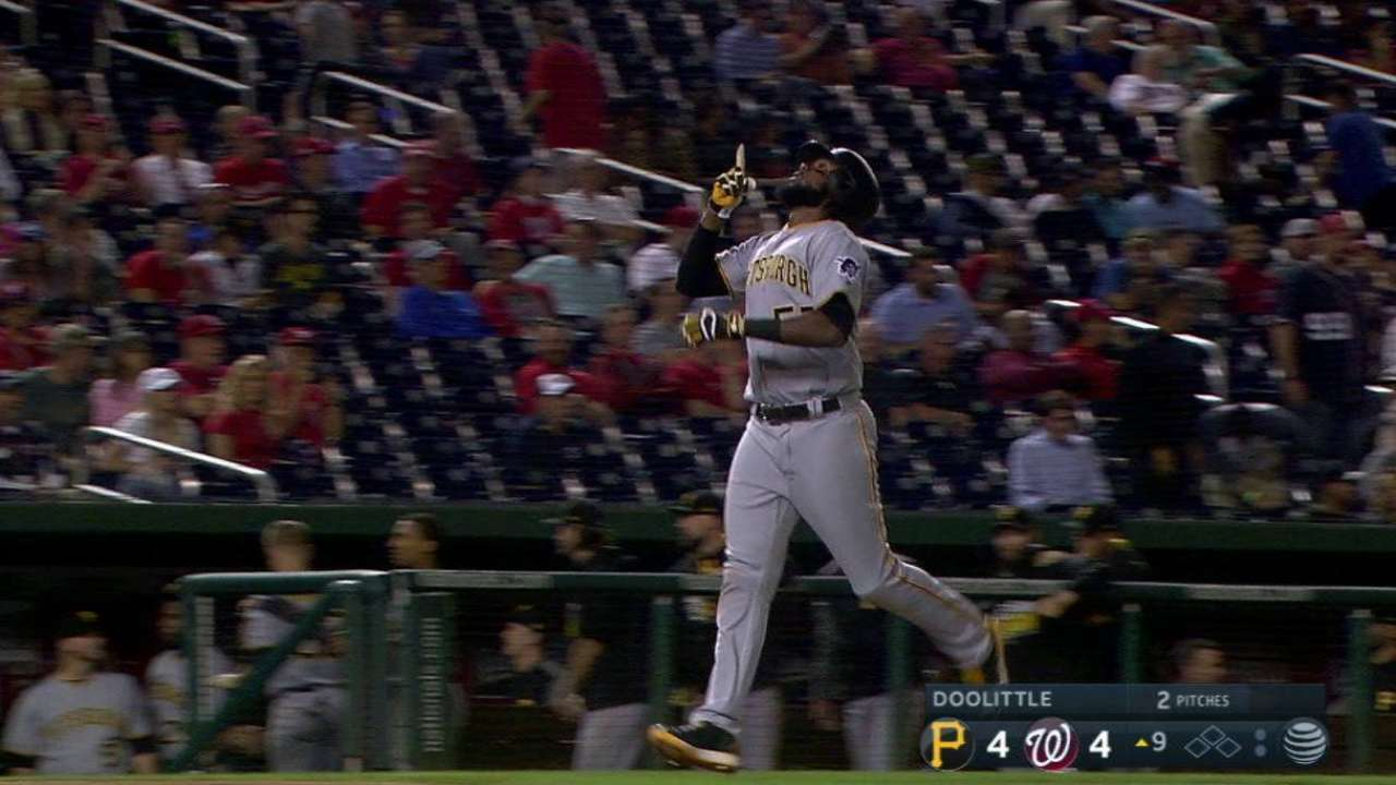 Bell's game-tying two-run shot