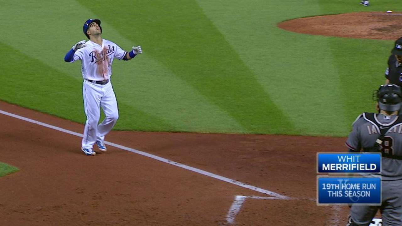 Whit's 19th HR powers Royals past D-backs