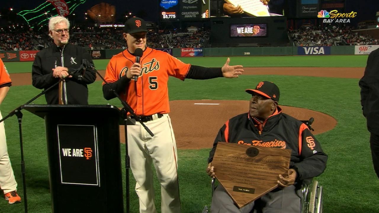 Hundley wins Giants' Willie Mac Award