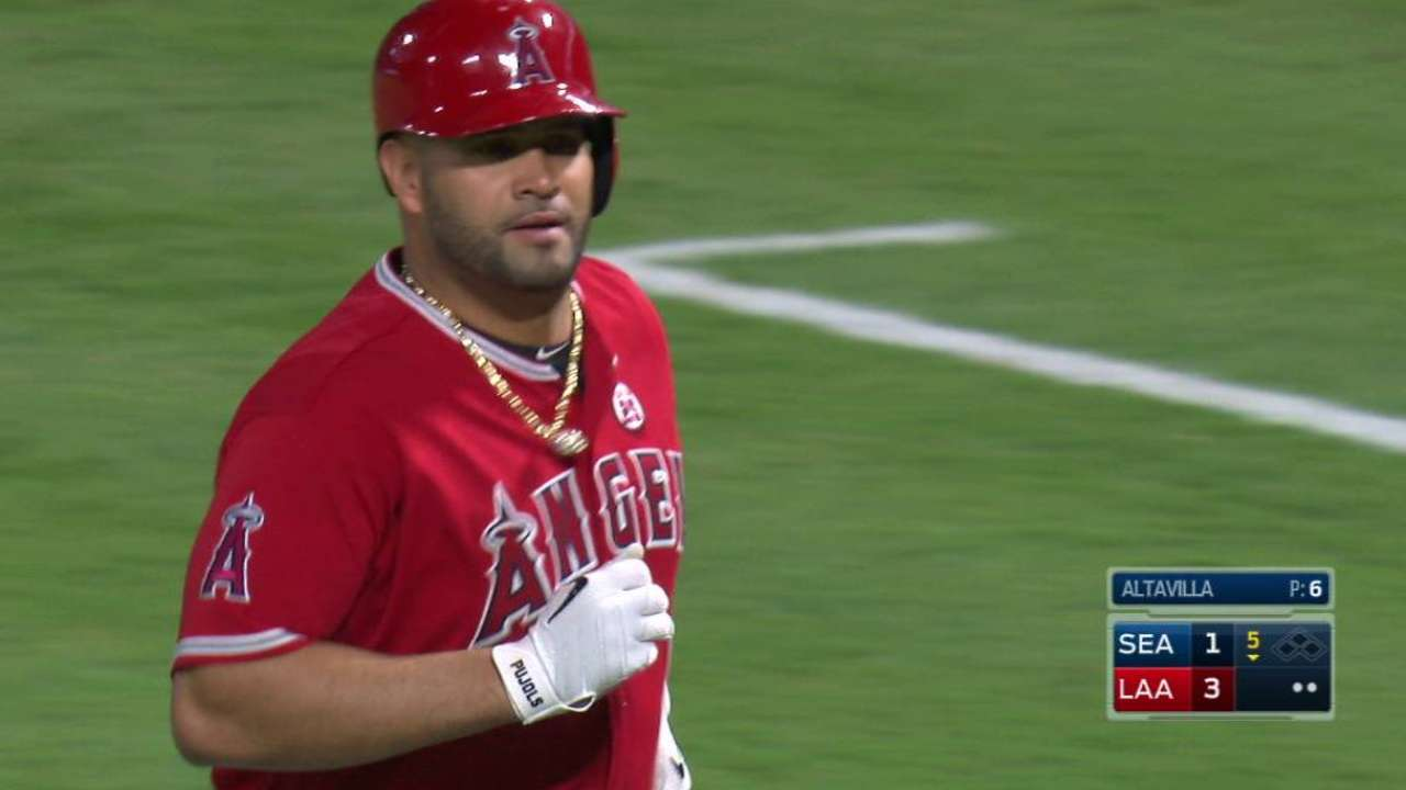 Pujols passes Murray to climb all-time RBI list