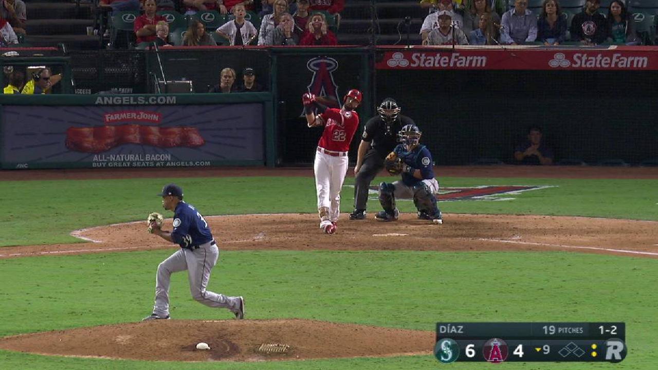Diaz tallies his 34th save