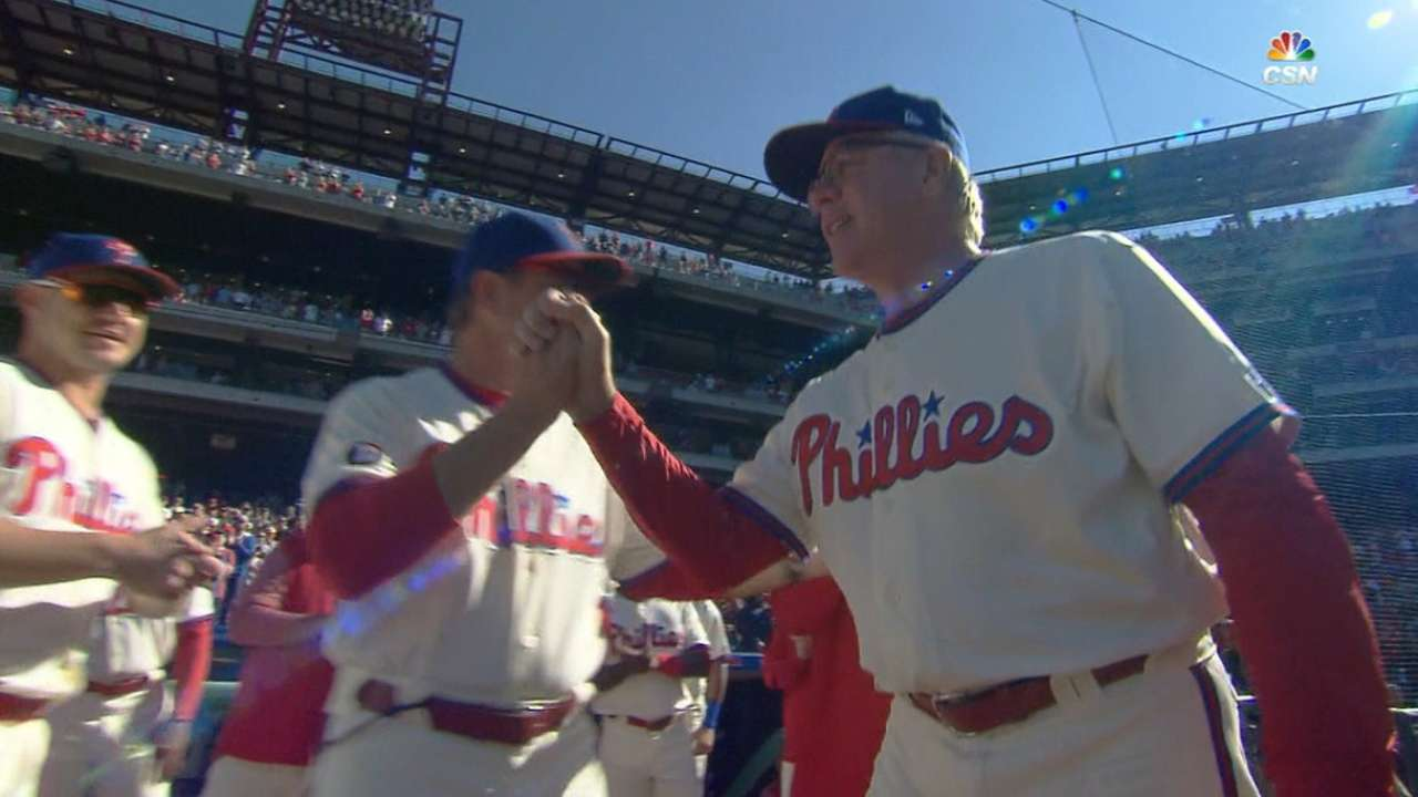 Mackanin receives warm ovation