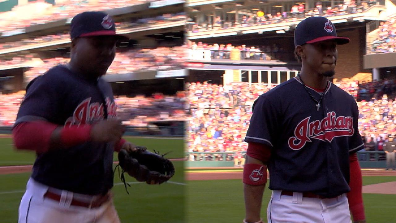 Lindor, Ramirez exit to ovation