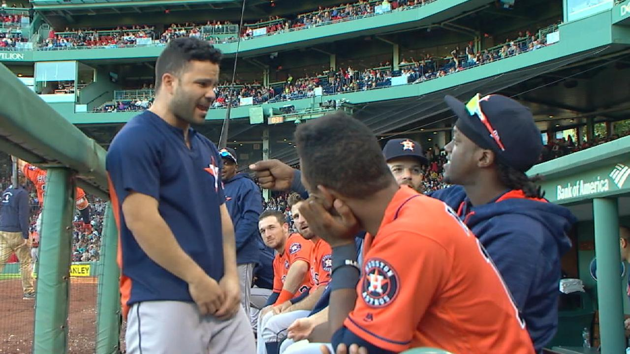 Altuve sings in the dugout