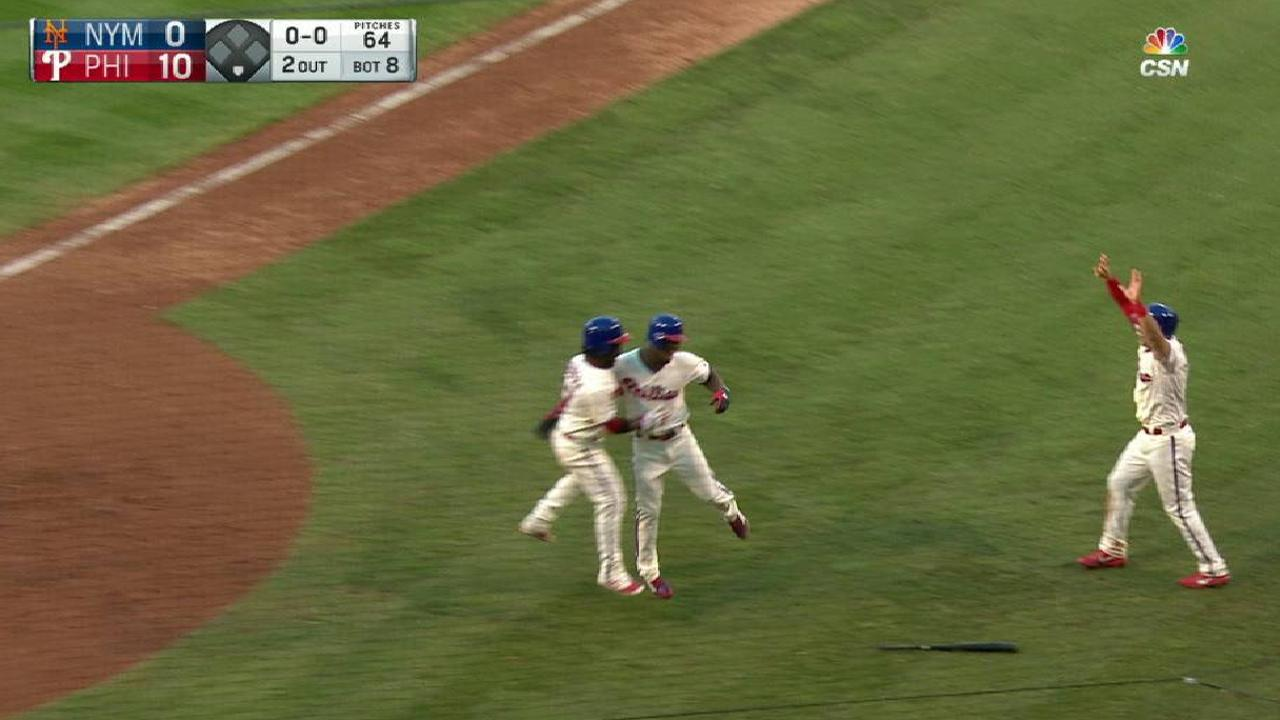 Williams' inside-the-park homer