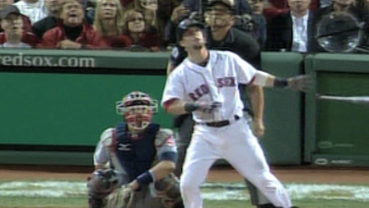 Pedroia's home run extends lead