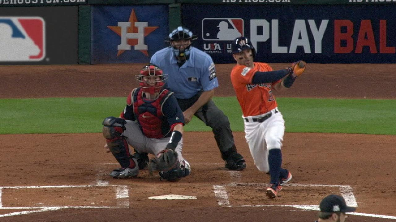 Altuve's solid night at the dish