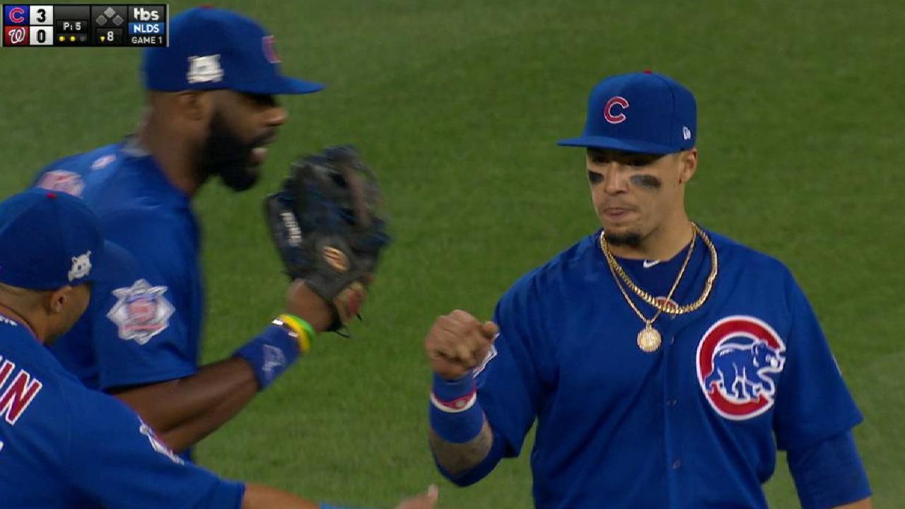 Baez's over-the-shoulder catch