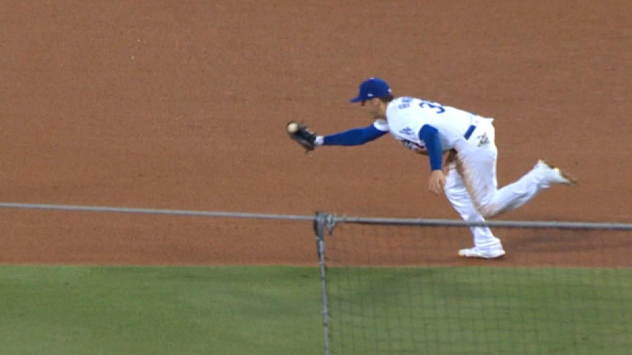 Bellinger feels right at home at Chase Field