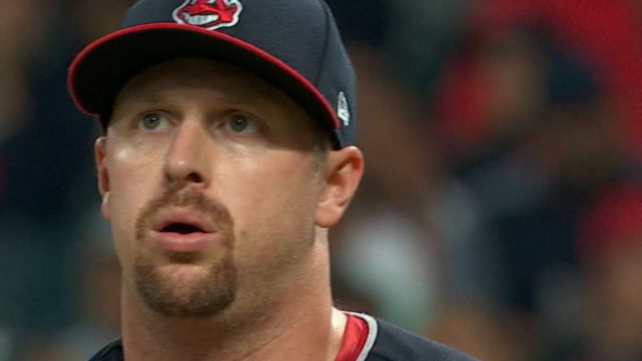 Reliever Shaw 'would love to stay' with Tribe