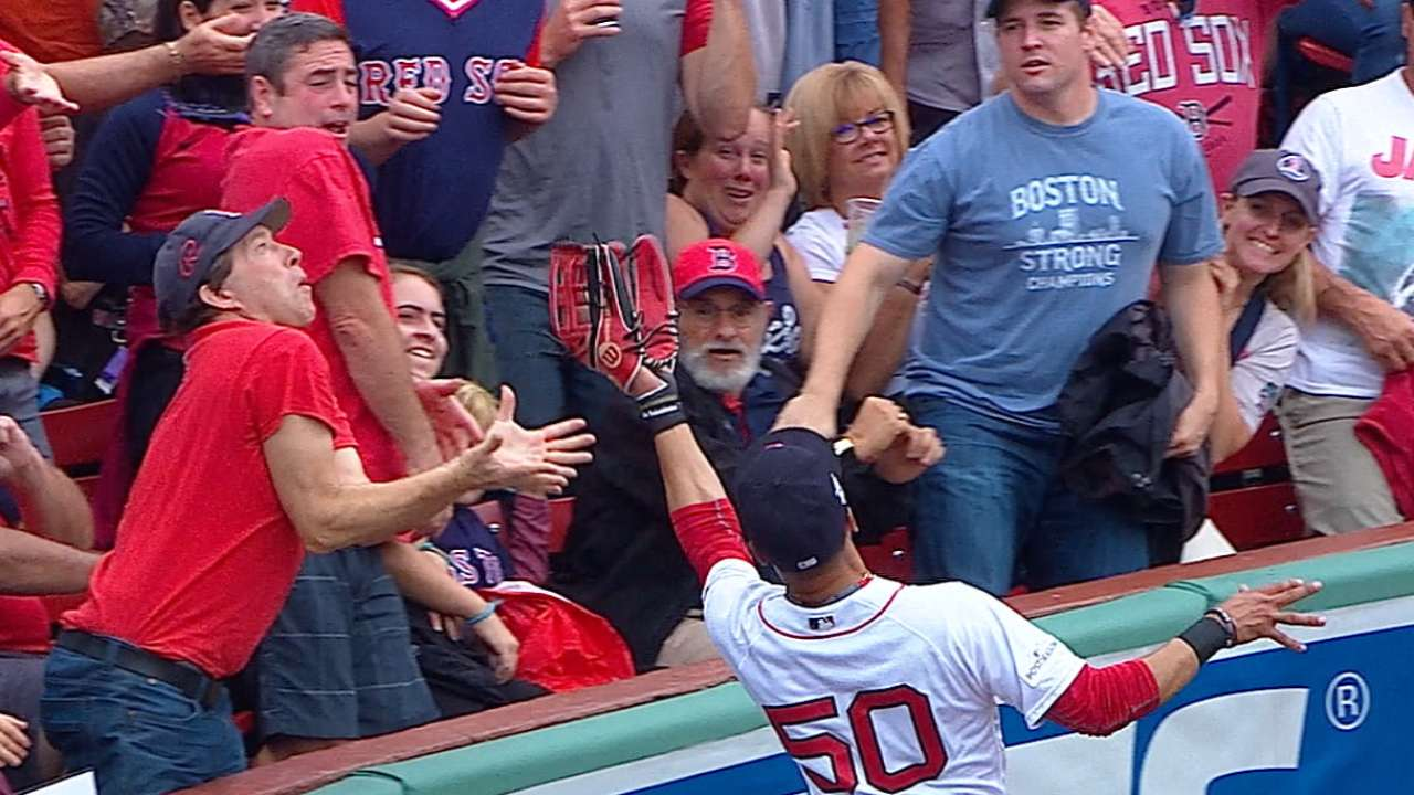 Extended Cut: Betts robs Reddick
