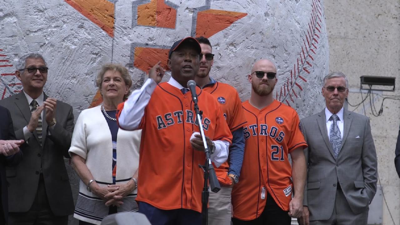 Mayor Turner addresses fans