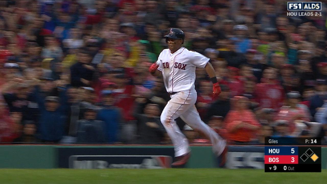 Devers' inside-the-park home run