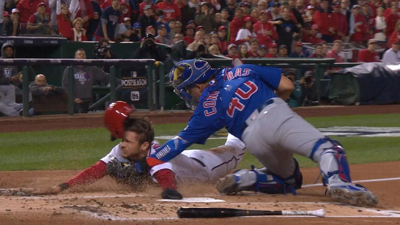 Baez nabs Turner at the plate