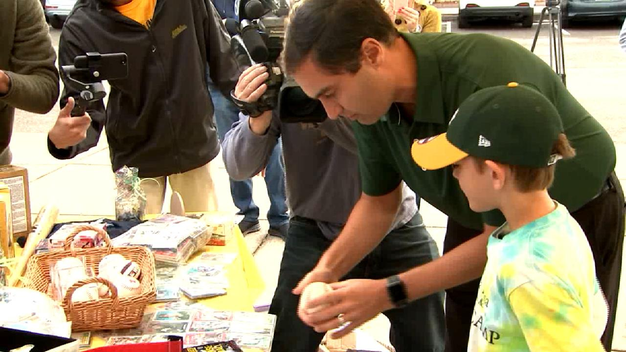 A's help replace 9-year-old fan's memorabilia