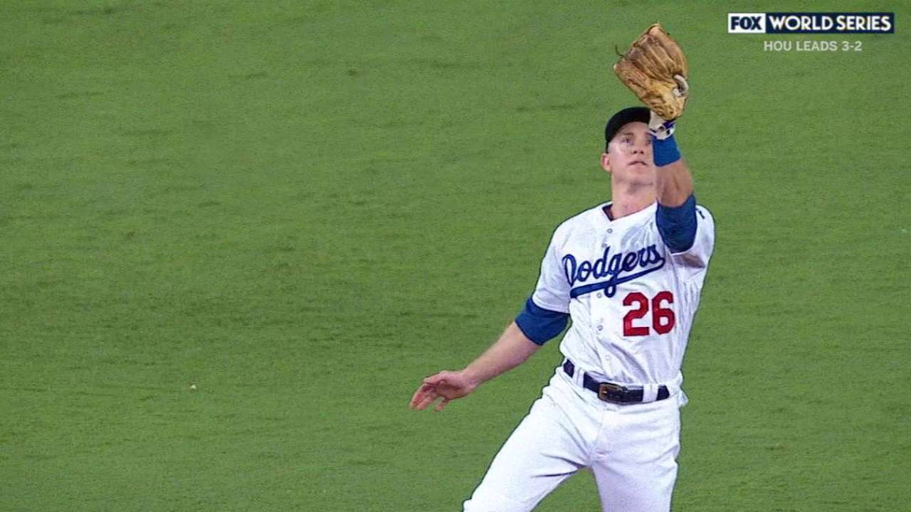 Utley's clutch jumping catch